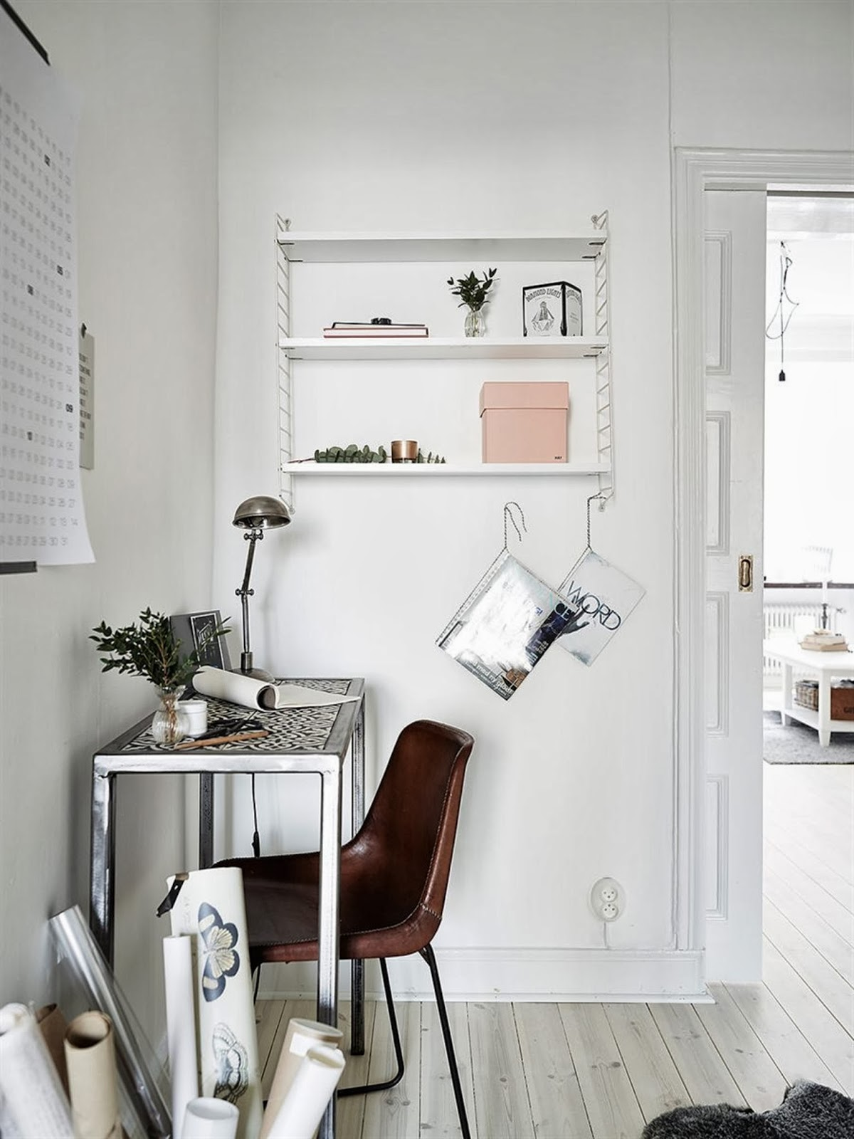 my scandinavian home a pretty gothenburg apartment with a fab work space. Black Bedroom Furniture Sets. Home Design Ideas