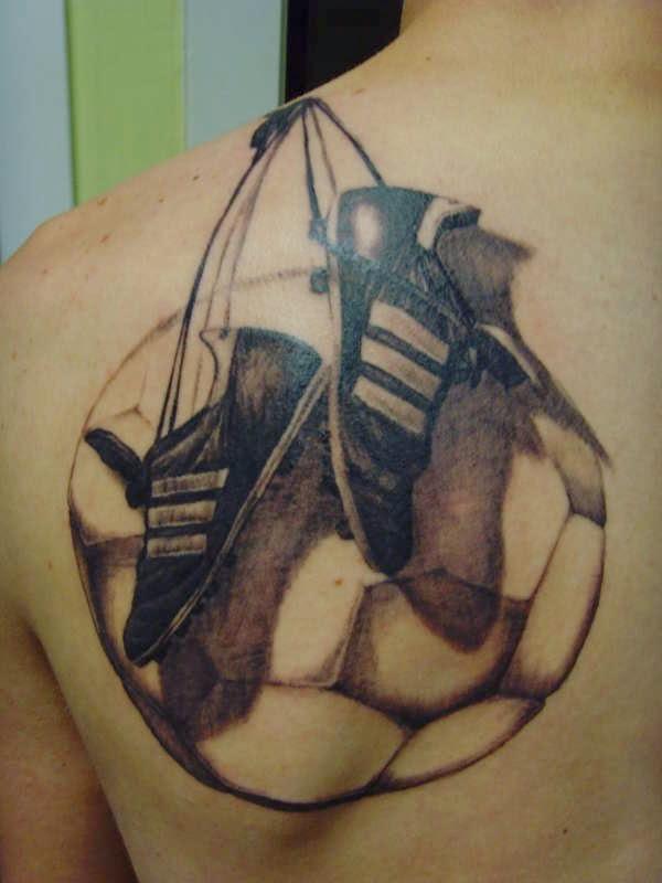 Tattoo bola e chuteira