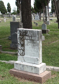 Erna Hugo Grave