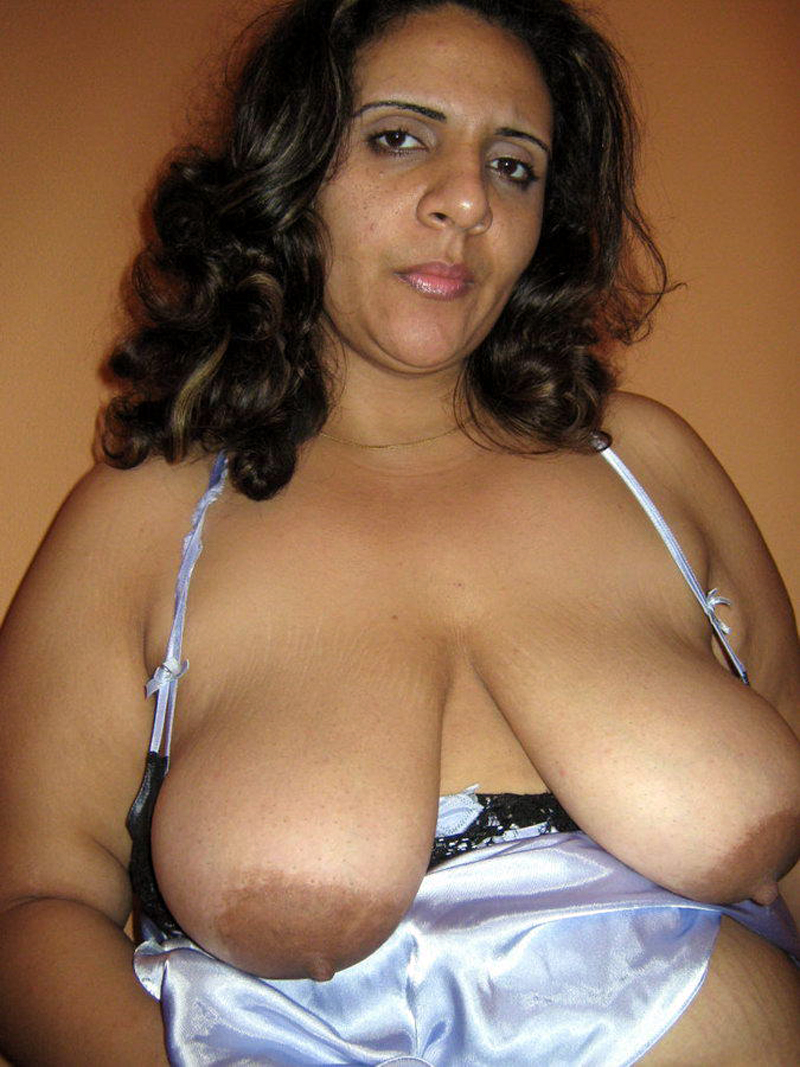 Aunty huge bbw indian melon