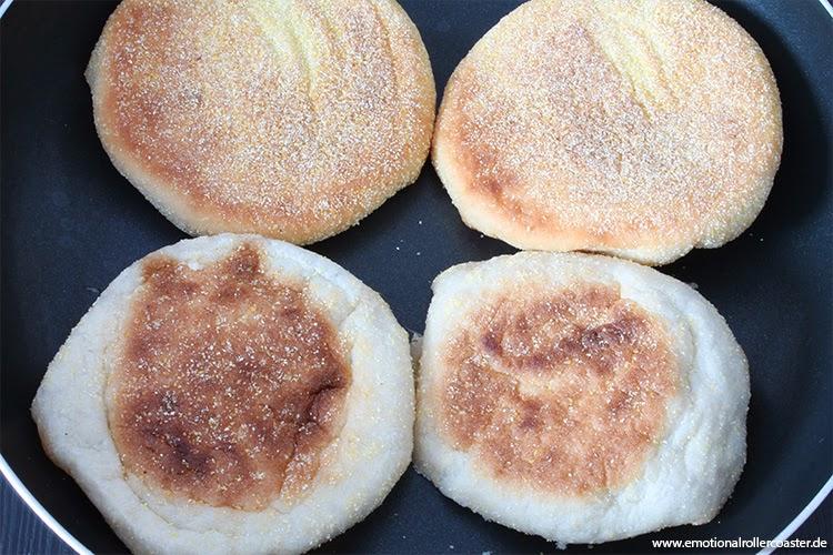 English Muffins in der Pfanne