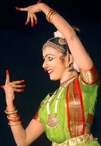 Dance performance by Sithara Krishnakumar