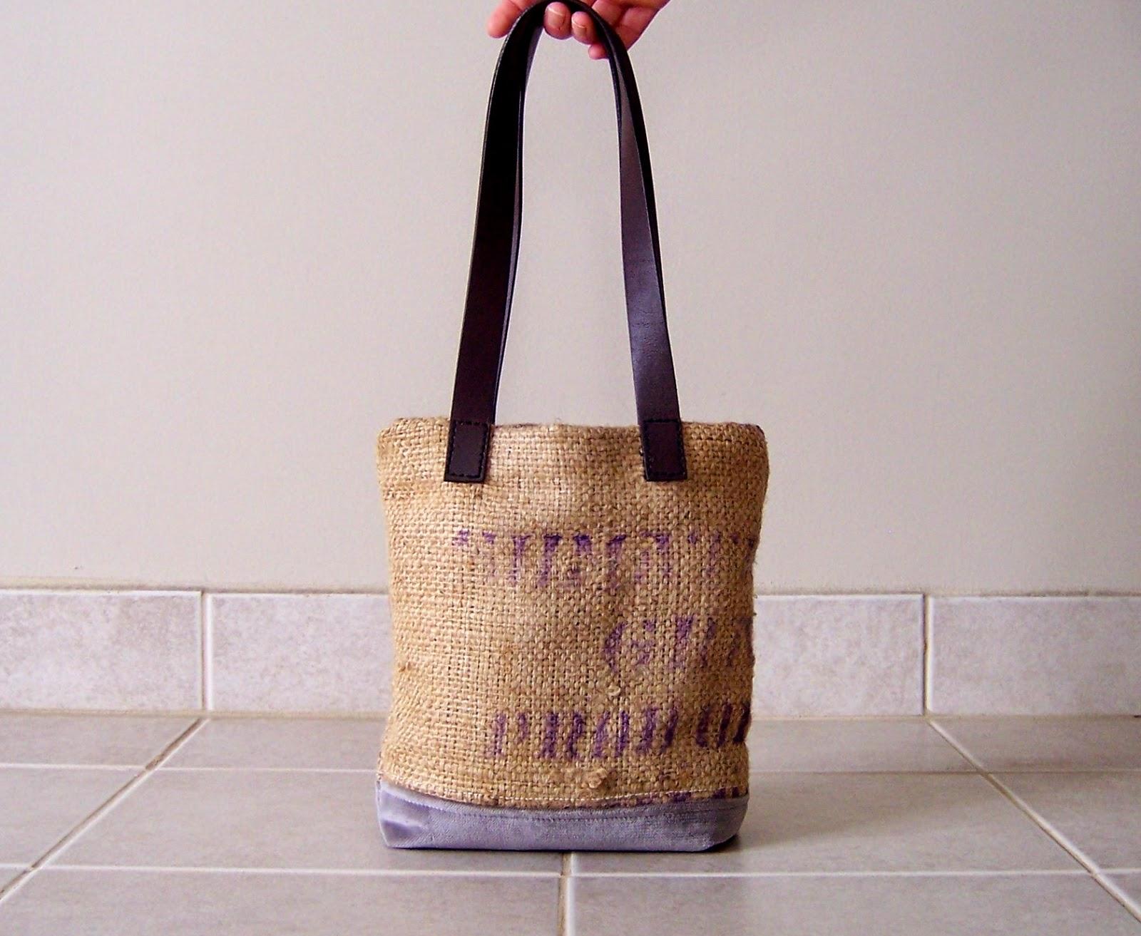 Gavo burlap tote bag - exterior - linaandvi.blogspot.com