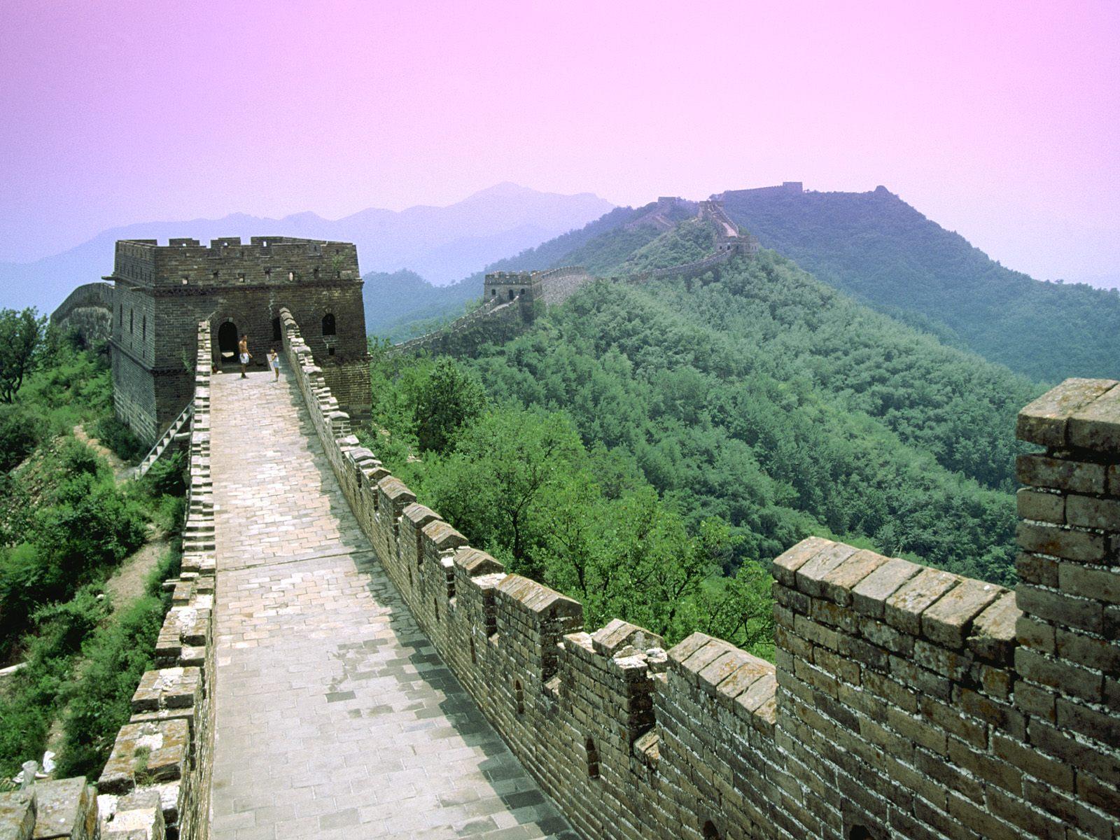 http://4.bp.blogspot.com/-V0X8T6tmbc8/TfsDz-GPftI/AAAAAAAAFWE/eIQ-wiWLV-k/s1600/3027-great-wall%252C-beijing%252C-china-wallpaper.jpg