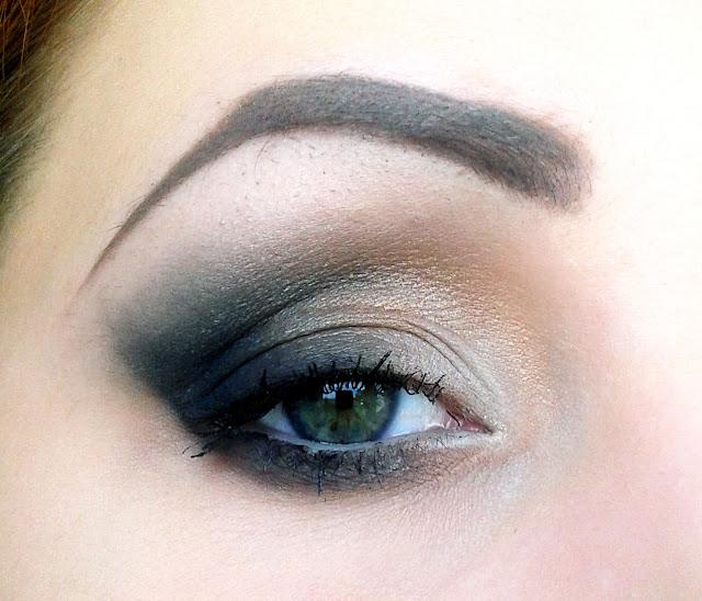 Makijaż bez eyelinera - dla nieumiejących narysować prostej kreski :)