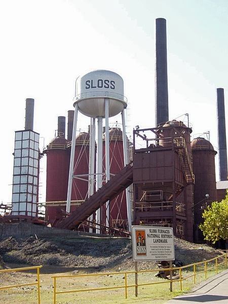 https://en.wikipedia.org/wiki/File:Sloss_Furnaces_Birmingham.jpg