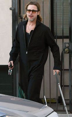 Brad Pitt use cane