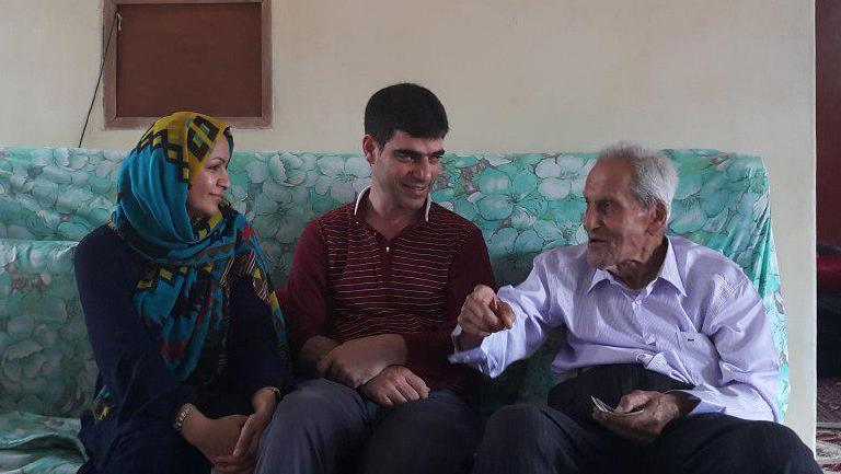 همشهری محمود کیانوش میگوید به همراه قوام استالین را دیده است
