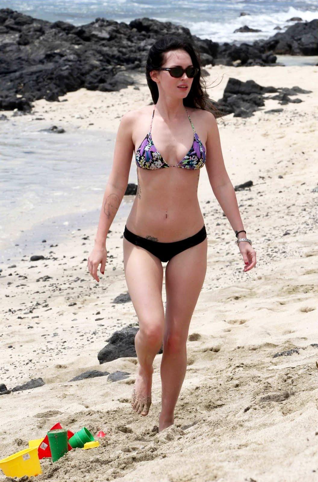 http://4.bp.blogspot.com/-V1EMEPcSY_Q/TjwYqaSTYRI/AAAAAAAAAkc/DCfR-7Bc0lI/s1600/megan-fox-bikini-babe-on-a-hawaii-beach-2011-hq-14.jpg