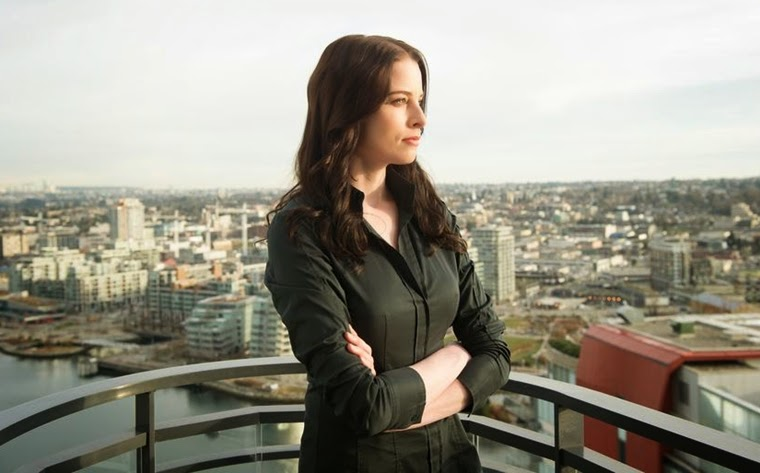 Continuum 3x07/08 – Waning Minutes/So Do Our Minutes Hasten