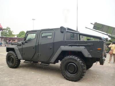 Kendaraan Tempur Komodo Varian Komando - PT. Pindad