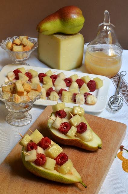 hiperica_lady_boheme_blog_di_cucina_ricette_gustose_facili_veloci_antipasto_cacio_e_pere_1