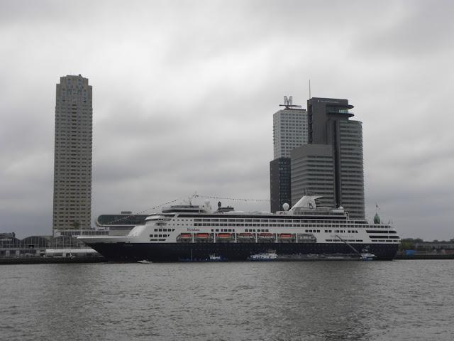 Rotterdam Erasmusbrug Holland America Ryndam