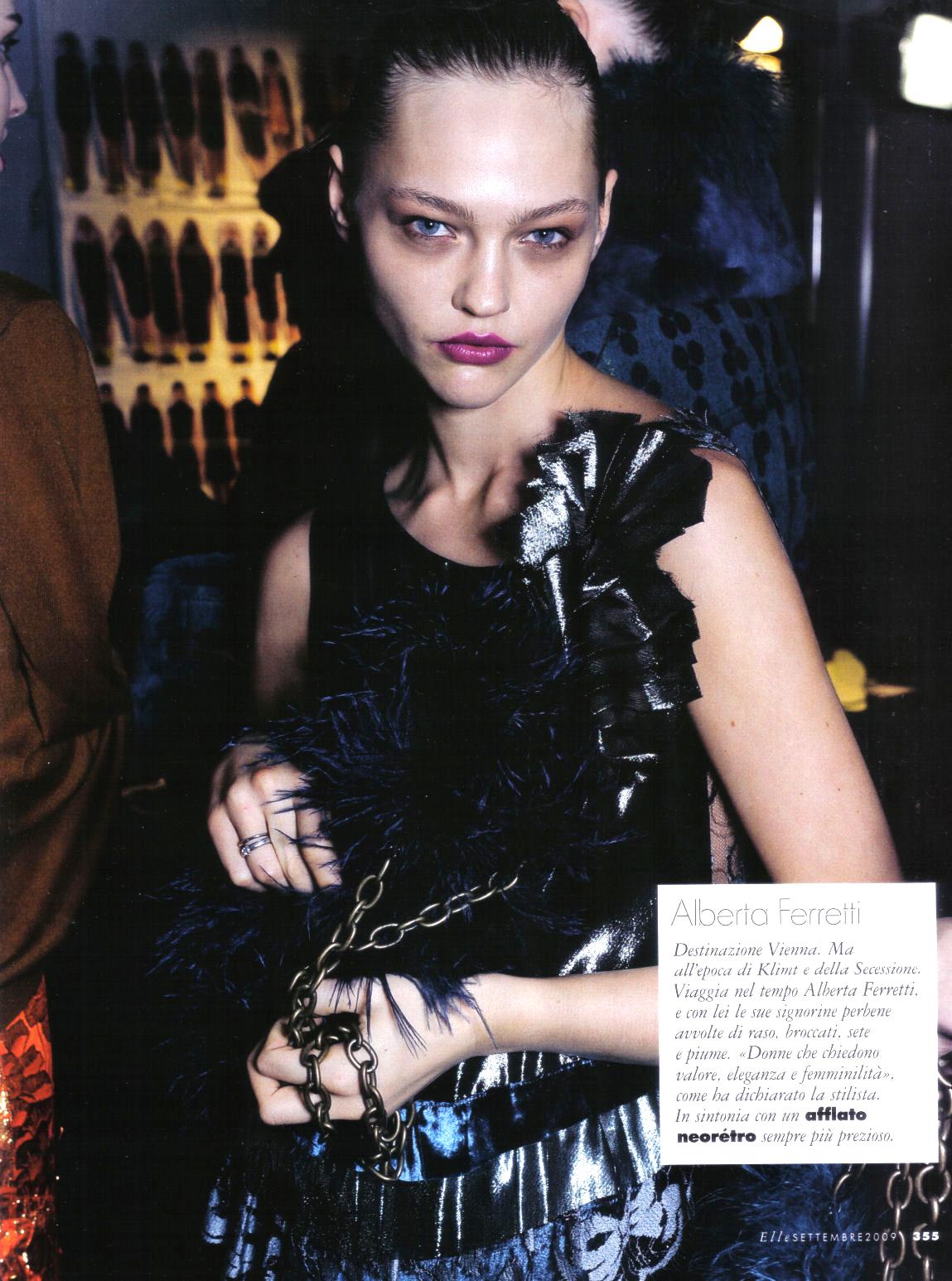 Sasha Pivovarova wearing Alberta Ferretti in Elle Italy September 2009