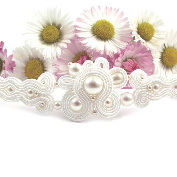Sutaszowa bransoletka ślubna z perłami
