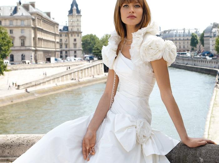 Mirror Mirror Wedding Dress Sample Sale