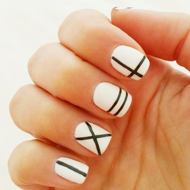 black and white graphic manicure