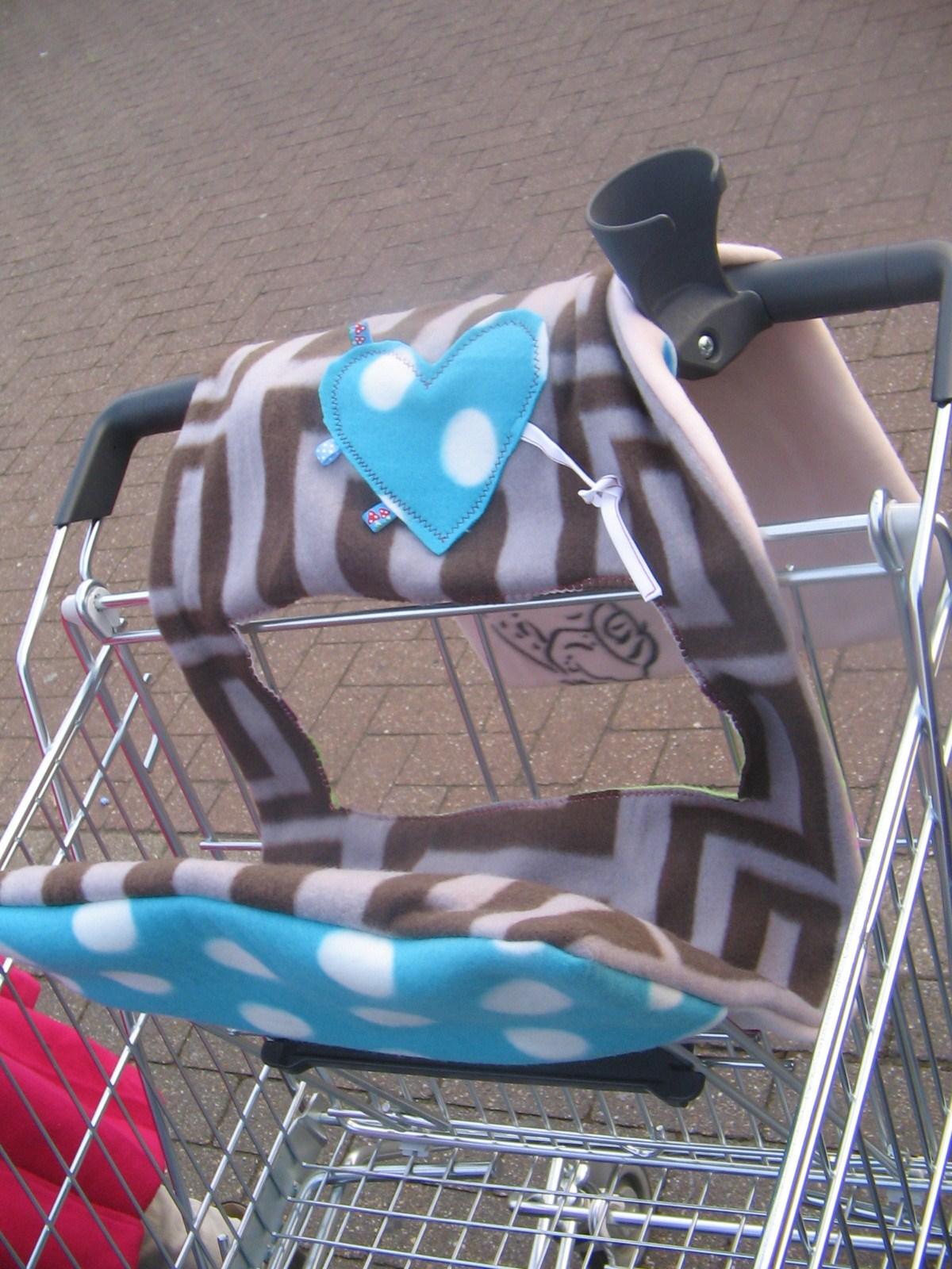 Alles mit Liebe: Sitzpolster für den Einkaufswagen
