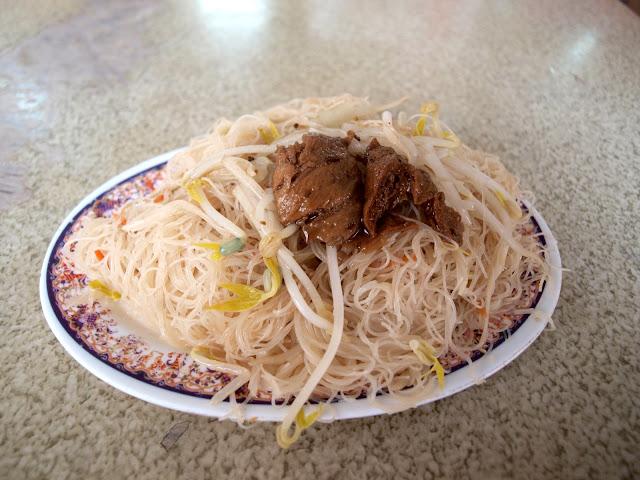 台南西港蓮華素食(菜粽) 炒米粉