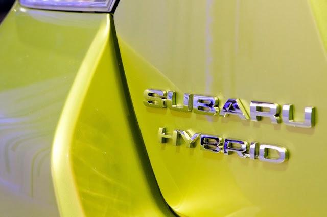 2015 New Hybrid Subaru XV Crosstrek Series logo view