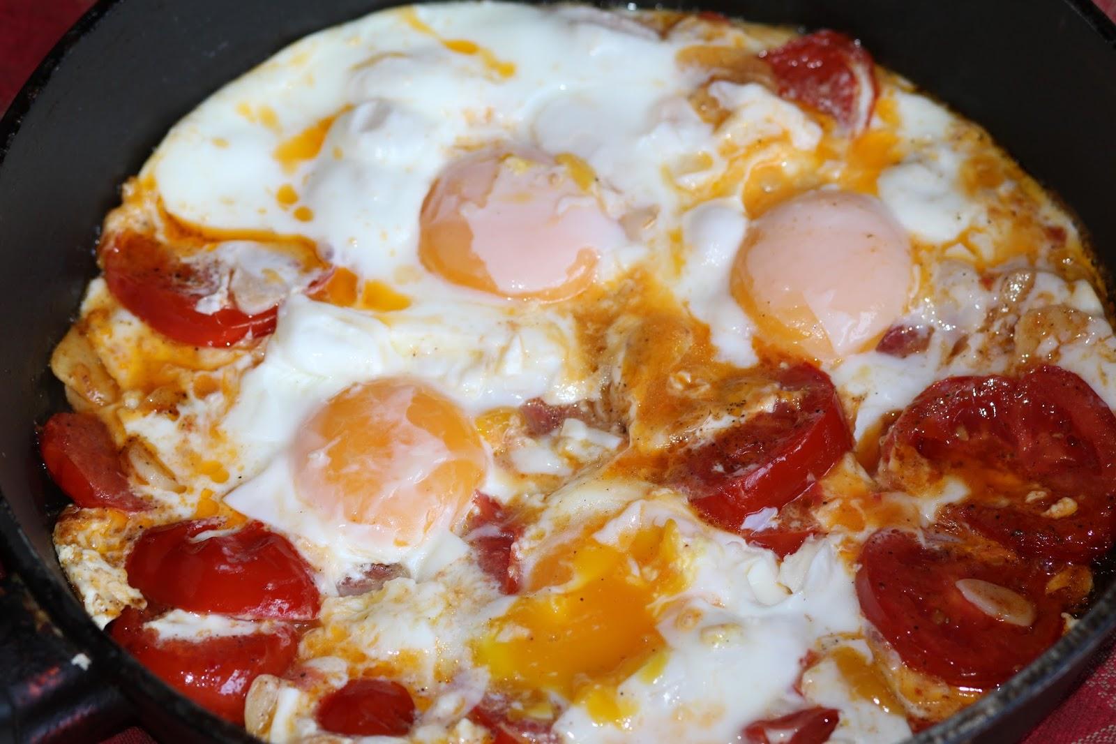 Рецепт омлета с помидорами пошагово