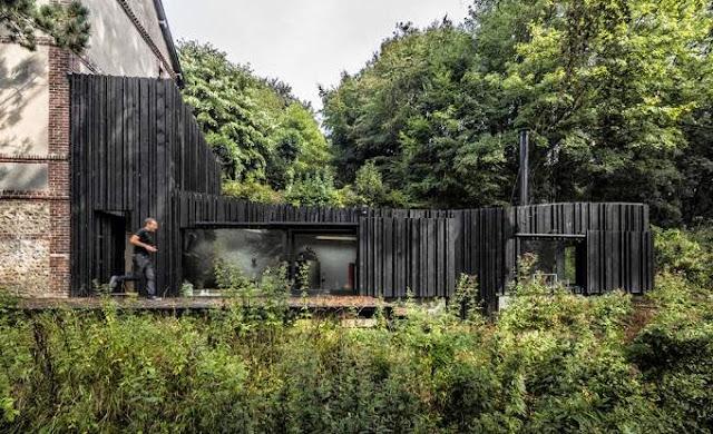 revestimiento madera carbonizada