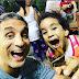 باسم يوسف مع ابنته فى حديقة الفراشات بدبى