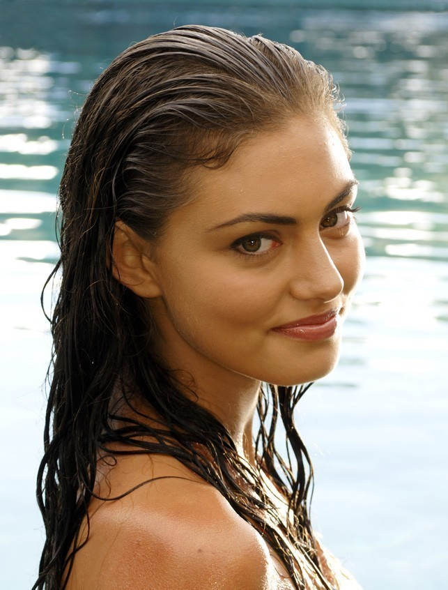 Phoebe tonkin summary film actresses for H2o just add water film