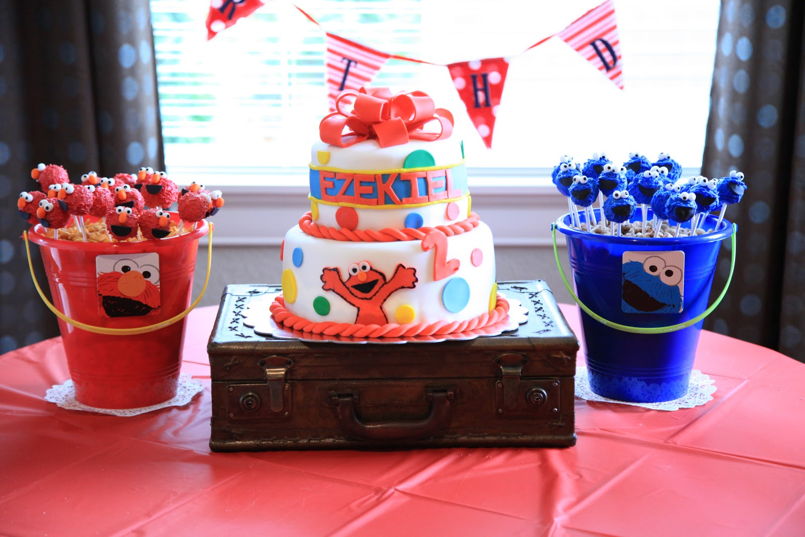 Vintage Pretty Elmo Birthday Party