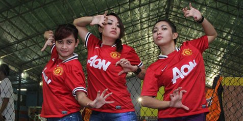 Indonesian Manchester United girls