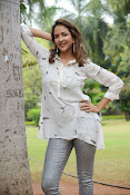 Lakshmi Manchu latest photo shoot gallery-thumbnail-11