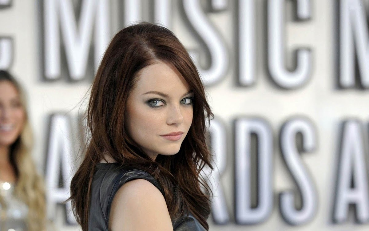 Emma Stone Widescreen HD Wallpaper 2