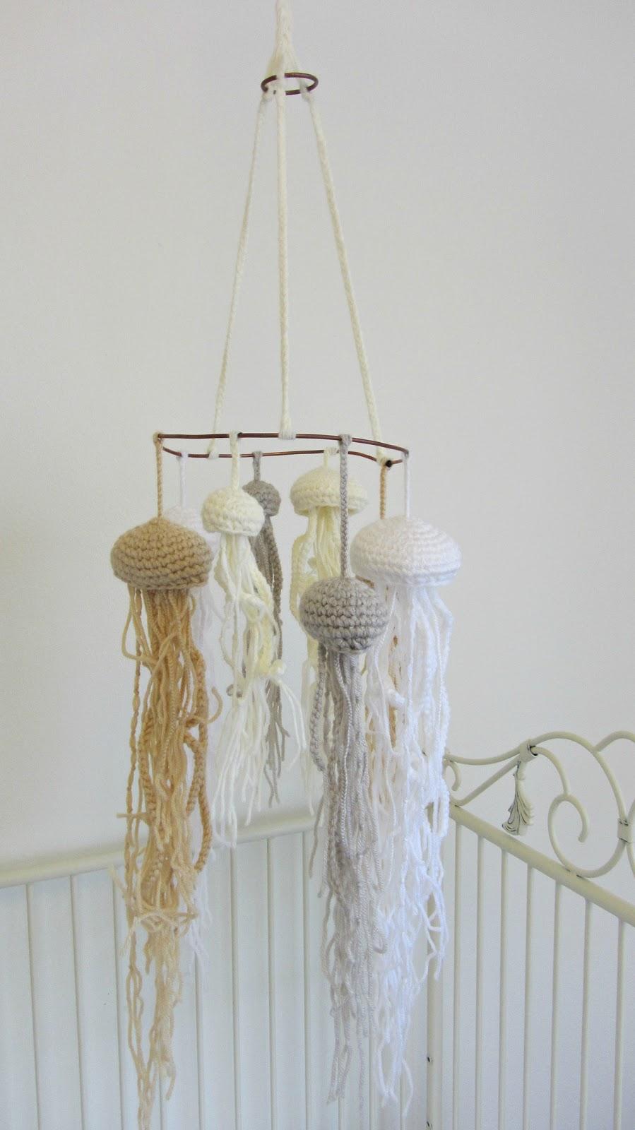 Julies blog a jellyfish mobile for Hope lampadario