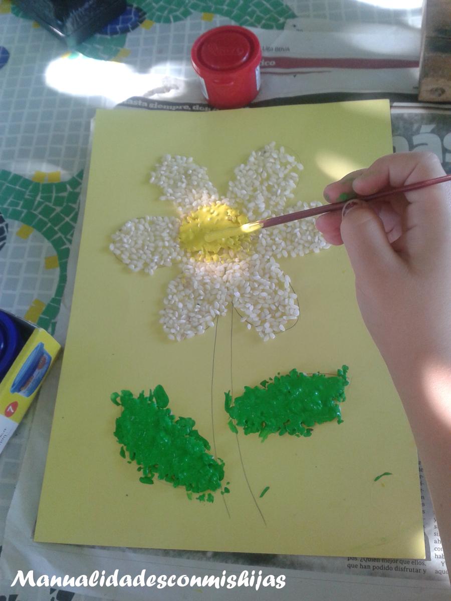Manualidades con mis hijas dibujos con arroz pintado flor y estrella - Manualidades con papel pintado ...