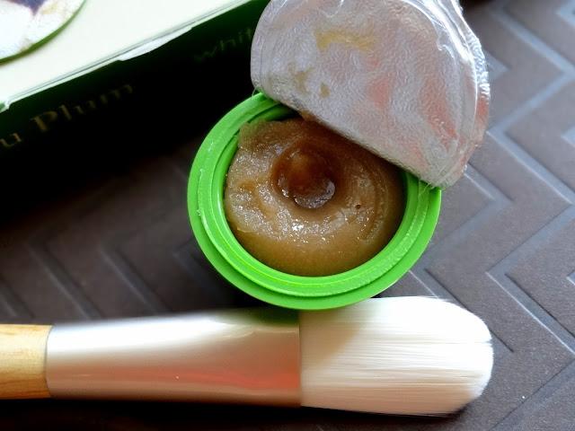 Wei Beauty Kakadu Plum Whitening Sugar Mask Review, Photos