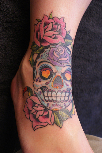 Skull tattoos for girls photos galleries for Girl head tattoo