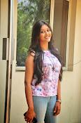 Pooja jhaveri new glam pics-thumbnail-3