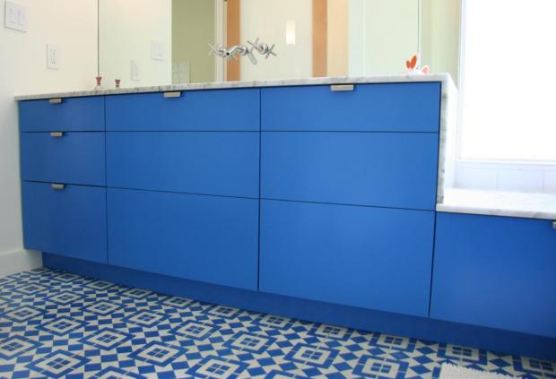 to da loos a dozen fun blue bathroom vanities