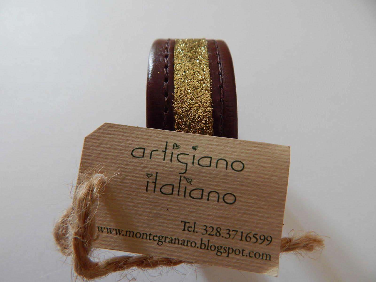 Artigiano italiano che crea braccialetti unici con materiali di qualità