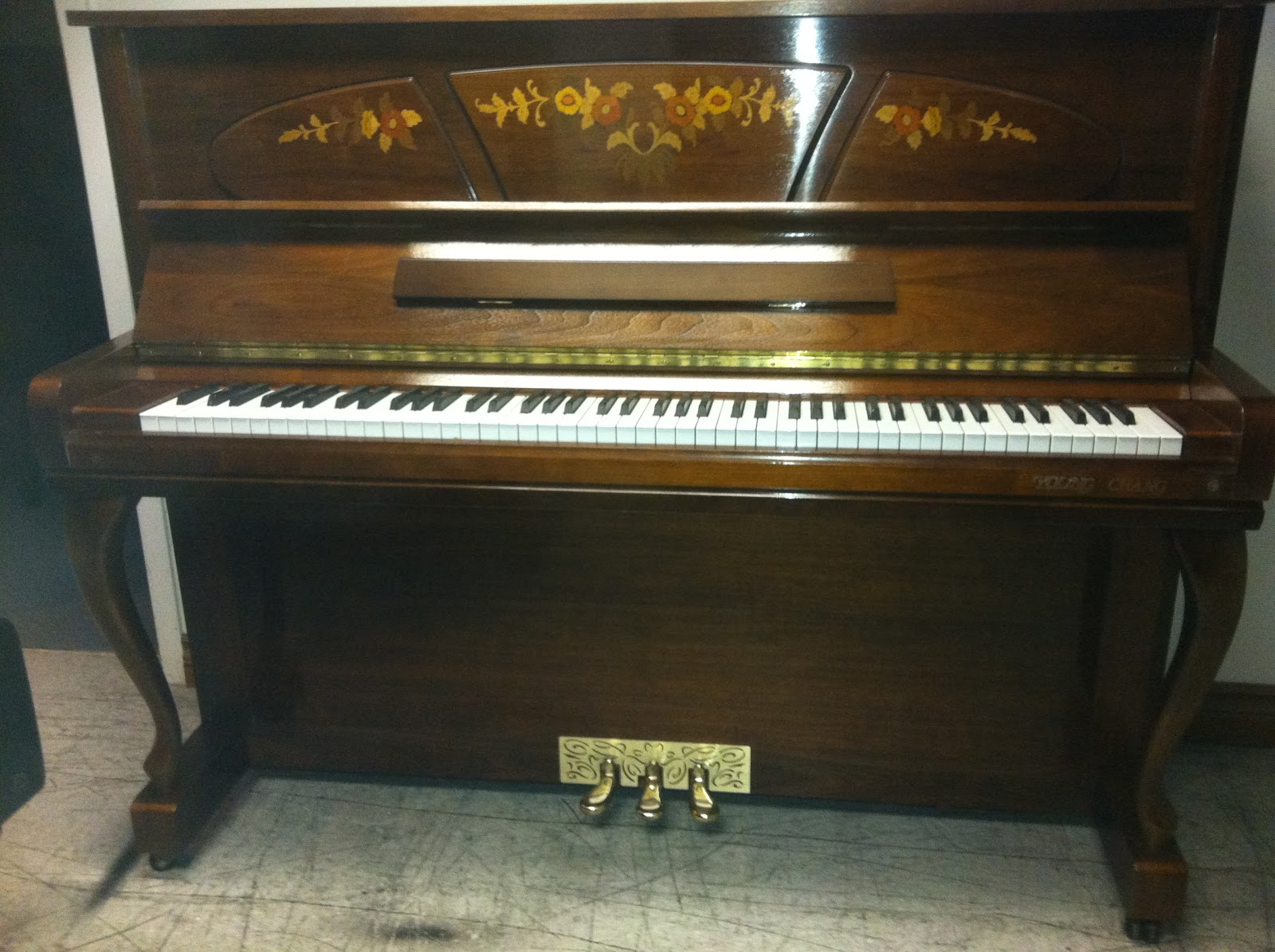used piano sale in toronto area young chang u121. Black Bedroom Furniture Sets. Home Design Ideas