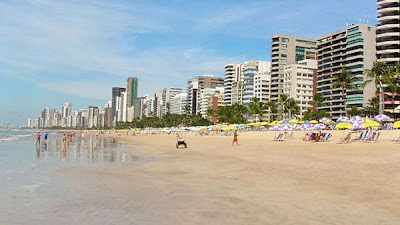 10 Pantai Paling Berbahaya di Dunia