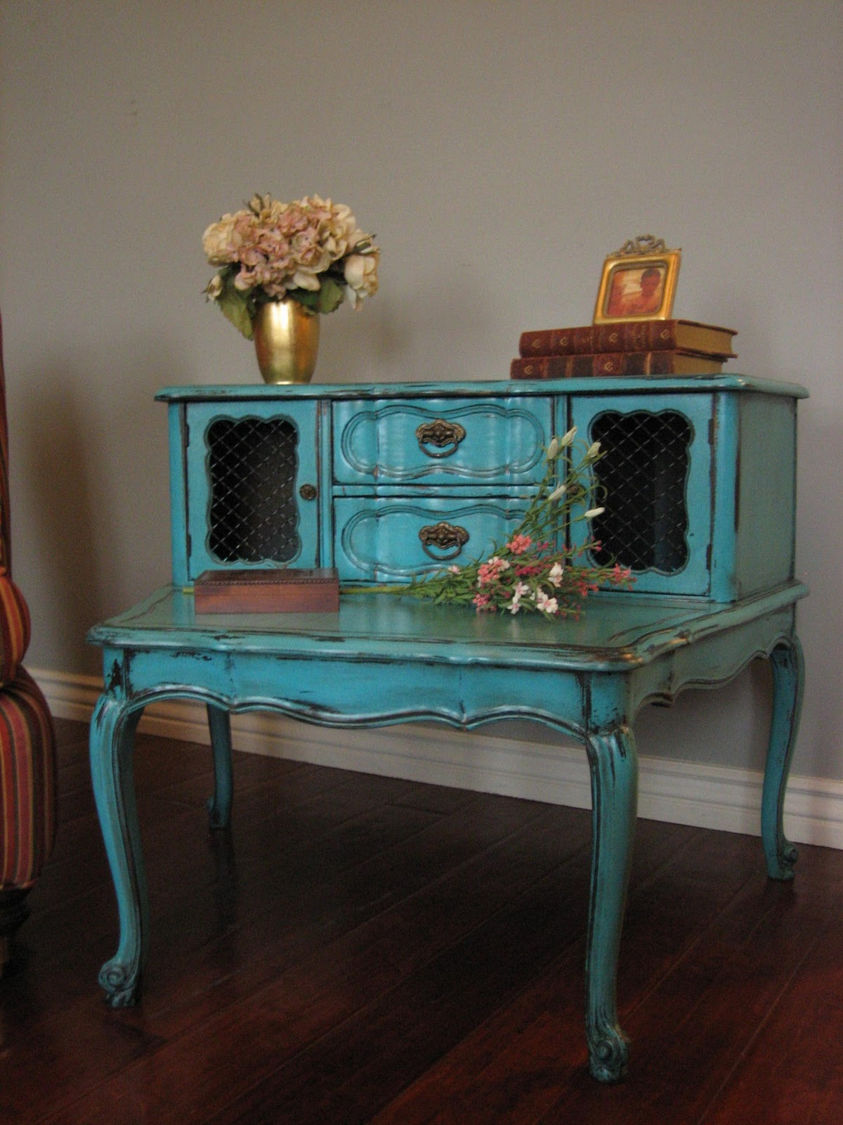 European Paint Finishes: Eclectic Teal End Table