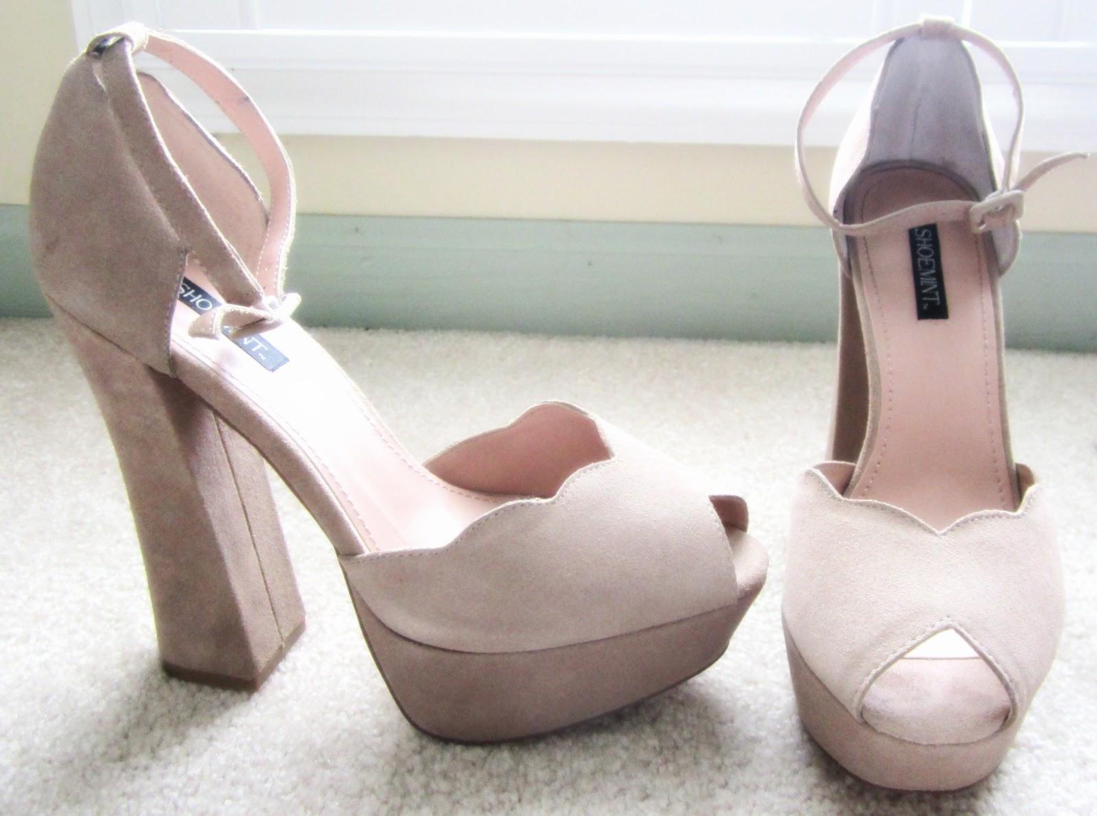 http://4.bp.blogspot.com/-V5KUFnXfH38/T5L7C4wyETI/AAAAAAAAC64/XEX2Qwpg7s0/s1600/tan%2Bshoes.jpg