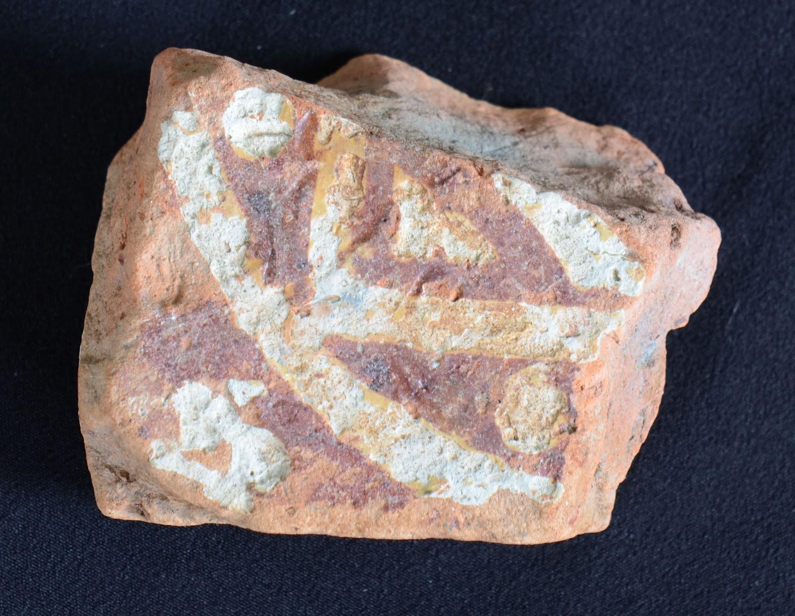 Mudlarking medieval floor tiles 13 14th century sections of medieval floor tile found mudlarking on the thames shiifo