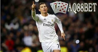 Liputan Bola - Tiga gol dibuat Cristiano Ronaldo dalam giornata terakhir La Liga musim ini saat timnya Real Madrid menang 7 - 3 atas Getafe.