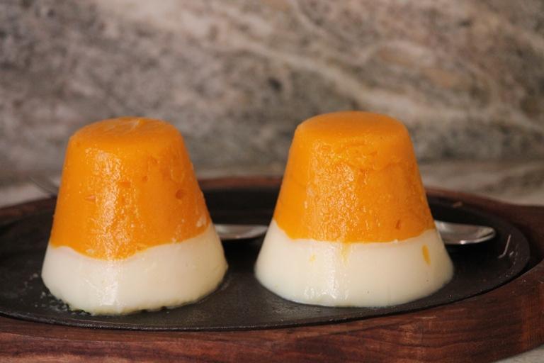 YUMMY TUMMY: Layered Mango Panna Cotta Recipe