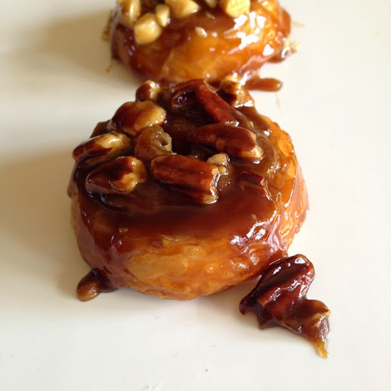 Food Pusher: Croissant Caramel Sticky Buns