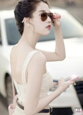 Những phát ngôn sốc, sự hở hang của các người đẹp luôn là tâm điểm của truyền thông