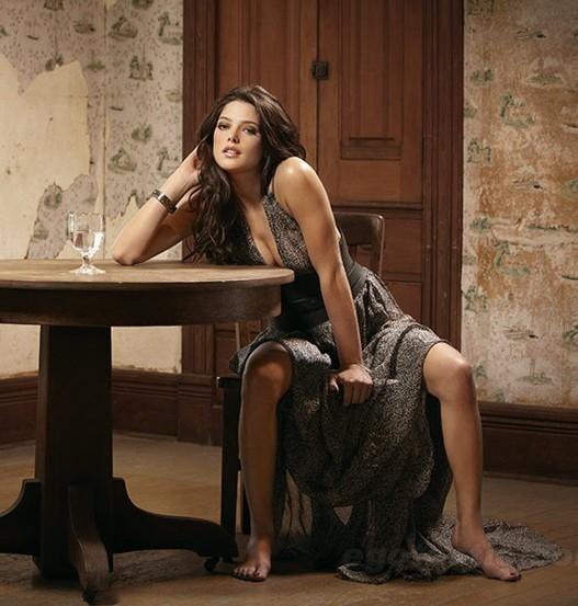 Ashley Greene Vampira Y En Revista Esquire