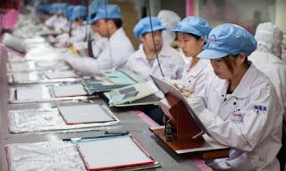 foxconn, iphone, teen, child, product, proizvodnja, iphone 4, iphone 5, fabrika, preduzece, company, proizvod, maloletnici, kina, radnici, kineski radnici, china,
